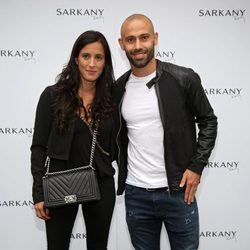 Fernanda Morello y Javier Mascherano en la inauguración de la tienda de Antonella Roccuzzo y Sofía Balbi