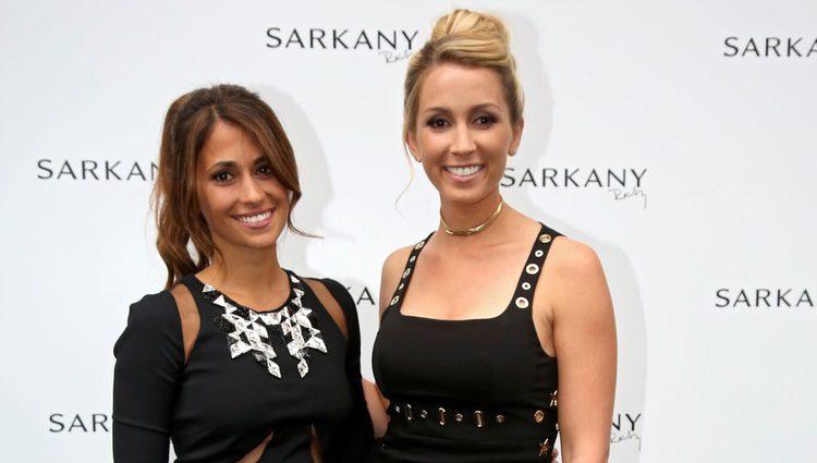 Antonella Roccuzzo y Sofía Balbi en la inauguración de su tienda