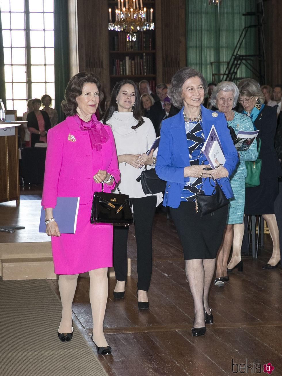 Silvia de Suecia, la Reina Sofía y Sofia Hellqvist en el X Foro de la Demencia