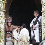 La entrañable imagen de Kate Middleton con los niños de las arras en la boda de su hermana Pippa Middleton