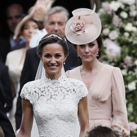 Kate Middleton con su hermana Pippa Middleton el día de su boda