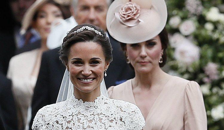 Kate Middleton con su hermana Pippa Middleton el día de su boda