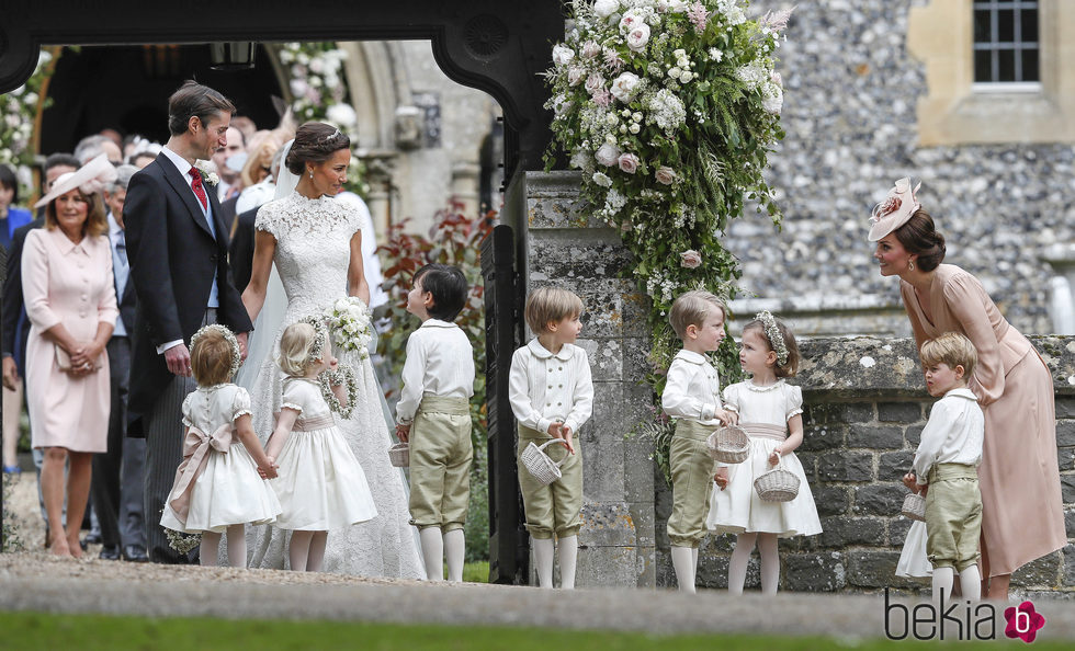 Matrimonio Kate Middleton : Kate middleton con sus hijos en la boda de pippa