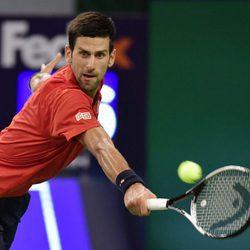 Novak Djokovic en un partido en el Master de Shanghai