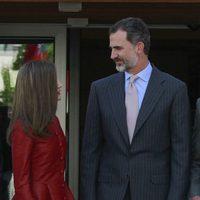 Los Reyes Felipe y Letizia, muy cómplices en el día de su 13 aniversario de boda