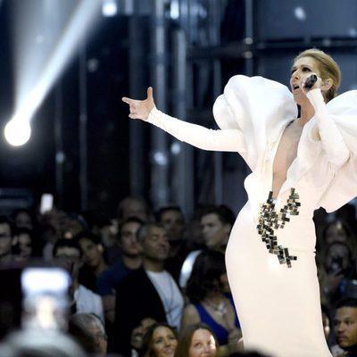 Céline Dion actuando en los Premios Billboard 2017