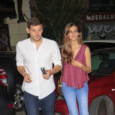 Iker Casillas y Sara Carbonero saliendo de un restaurante de Madrid