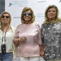Maria Teresa Campos con sus hijas Carmen Borrego y Terelu Campos tras recibir el alta