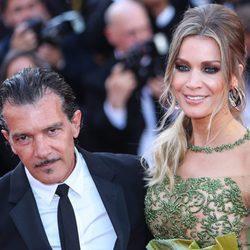 Antonio Banderas y Nicole Kimpel en el Festival de Cannes 2017