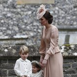 El Príncipe Jorge, triste tras una reprimenda de Kate Middleton en la boda de Pippa Middleton y James Matthews