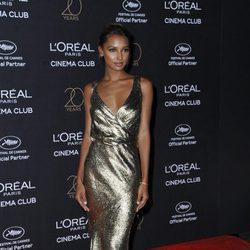 Jasmine Tookes en la fiesta de L'Oreal en Cannes 2017