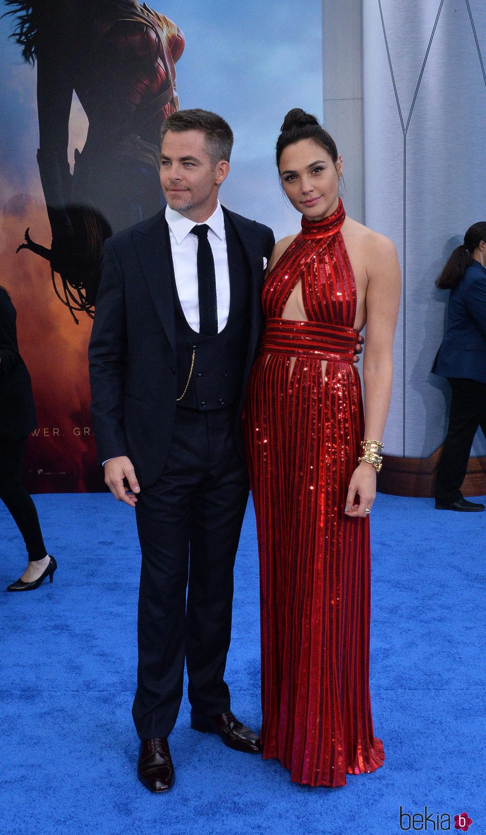 Chris Pine y Gal Gadot en el estreno de 'Wonder Woman' en Los Angeles
