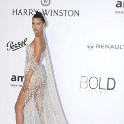 Gigi Hadid en la Gala amfAR del Festival de Cannes 2017