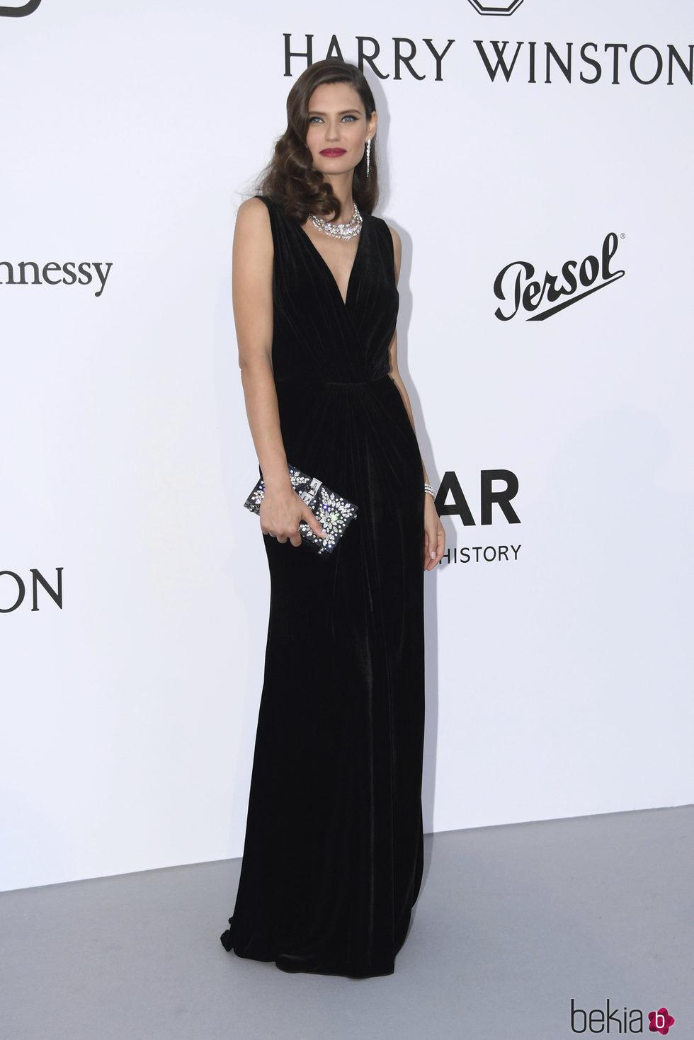 Bianca Balti en la Gala amfAR del Festival de Cannes 2017