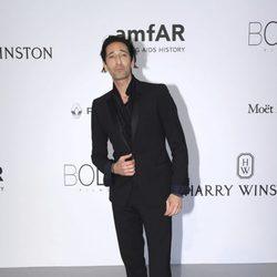 Adrien Brody en la Gala amfAR del Festival de Cannes 2017
