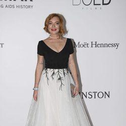 Lindsay Lohan en la Gala amfAR del Festival de Cannes 2017