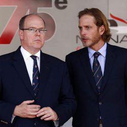 Andrea Casiraghi con el Príncipe Alberto de Mónaco en el GP de Mónaco 2017