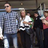 Belén Esteban y su novio Miguel saliendo de la primera sesión del juicio contra Toño Sanchís