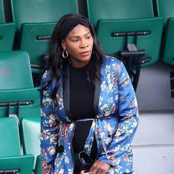 Serena Williams, embarazada, asiste a una jornada de Roland Garros