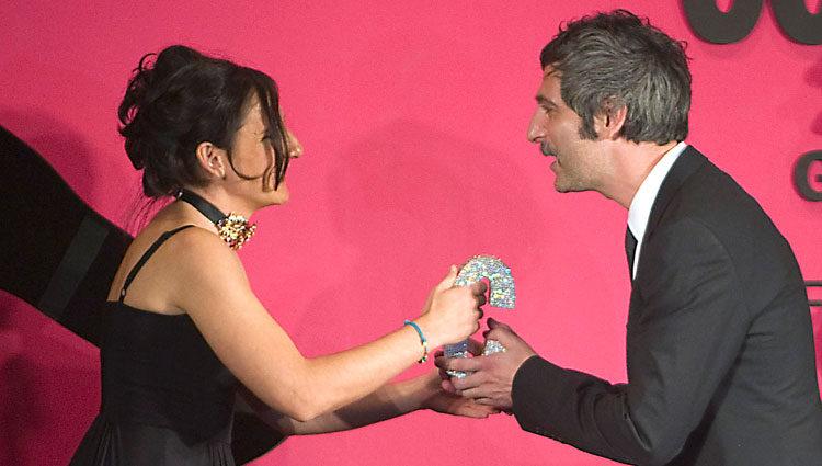 Malena y Ernesto Alterio en la ceremonia de los premios Mujer Cosmopolitan