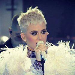 Katy Perry canta 'Part Of Me' en el concierto One Love Manchester