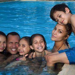 Jennifer López publica su foto más familiar con Alex Rodríguez