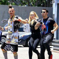 Joe Jonas y Sophie Tuner divirtiéndose por las calles de Los Ángeles
