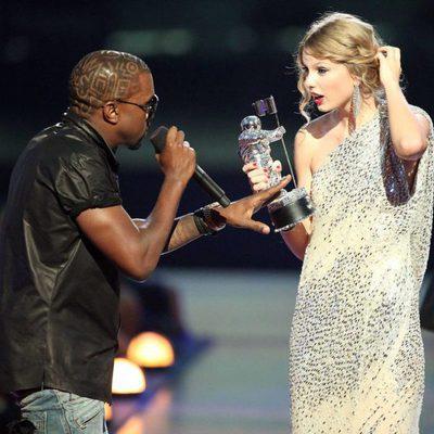 Kanye West interrumpiendo el discurso de Taylor Swift en los Premios MTV VMA 2009