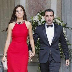 Xavi Hernández y Nuria Cunillera en la boda de Víctor Valdés y Yolanda Cardona