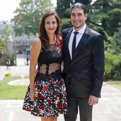José Manuel Pinto y Elena Gross en la boda de Víctor Valdés y Yolanda Cardona