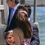 David Bustamante abrazando a Paula Echevarría en la comunión de su hija Daniella
