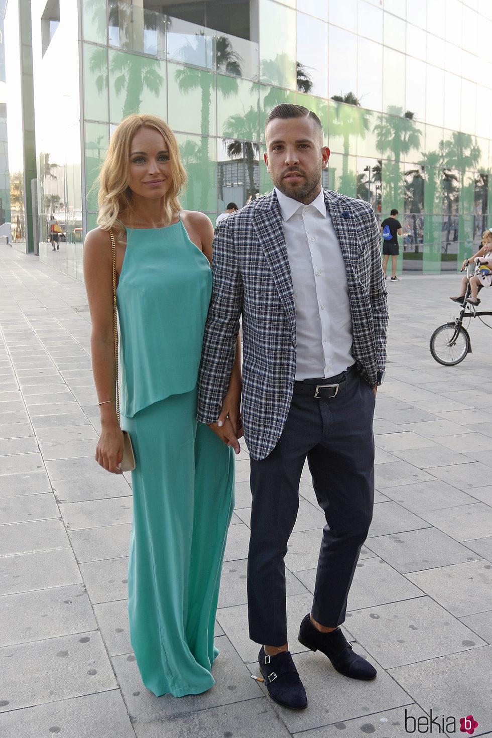Jordi Aba y Romarey Ventura en la fiesta preboda de Bartra y Melissa Jiménez