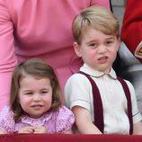 El Príncipe Jorge y la Princesa Carlota en la tradicional Trooping The Colour