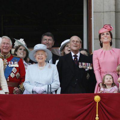La Familia Real inglesa en el tradicional Trooping the Colour al completo