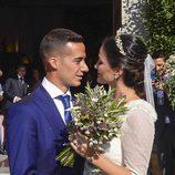 La mirada cómplice entre Lucas Vázquez y Macarena Rodríguez el día de su boda
