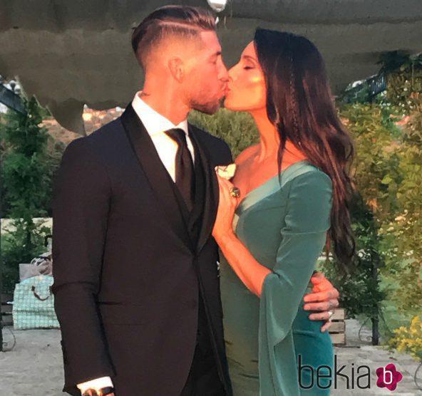 Pilar Rubio y Sergio Ramos en la boda de Lucas Vázquez