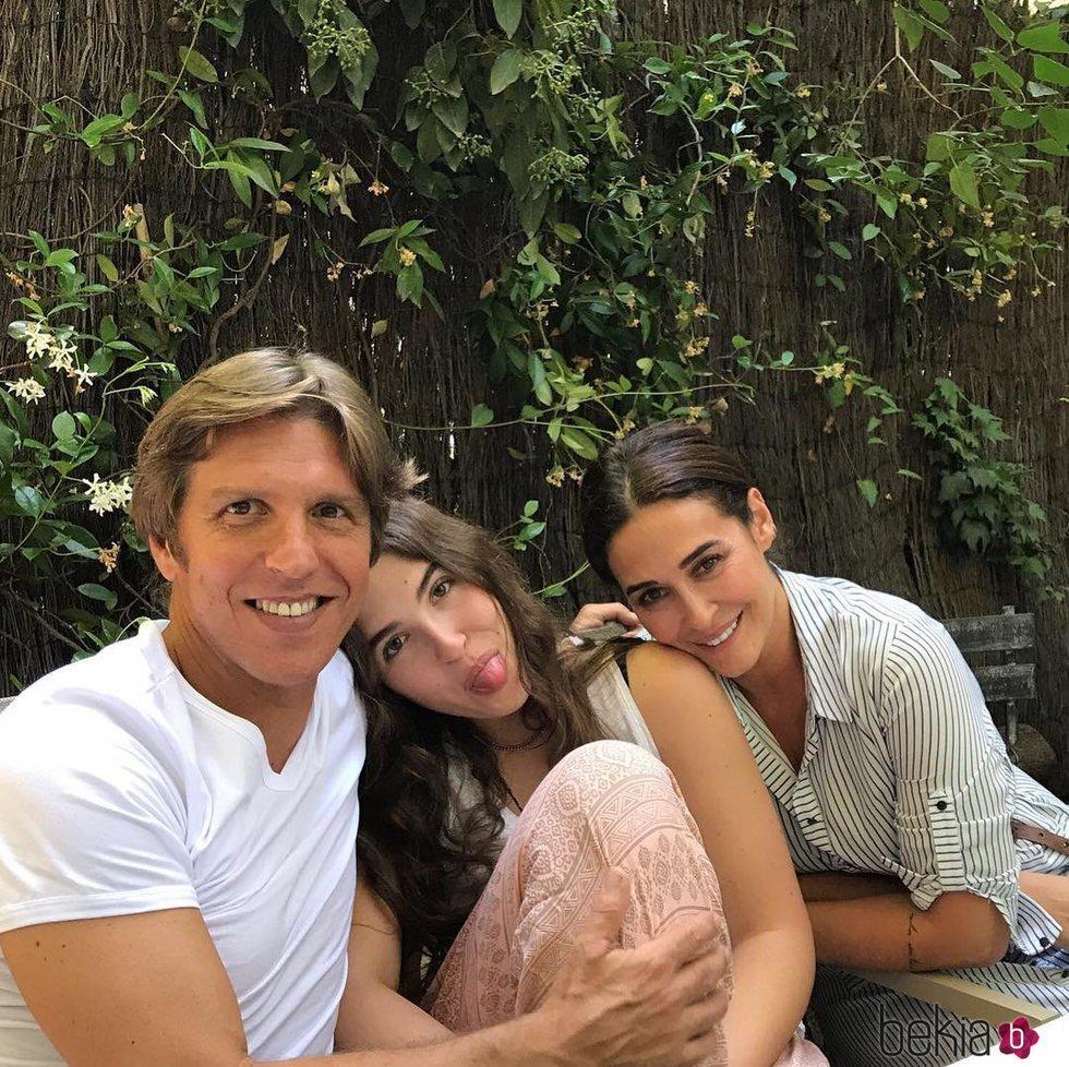 Manuel Díaz 'El Cordobés', Vicky Martín Berrocal y la hija de ambos Alba
