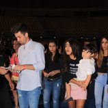 Chabelita con Alejandro Albalá y su hijo Alberto llegando al concierto de Isabel Pantoja en Sevilla