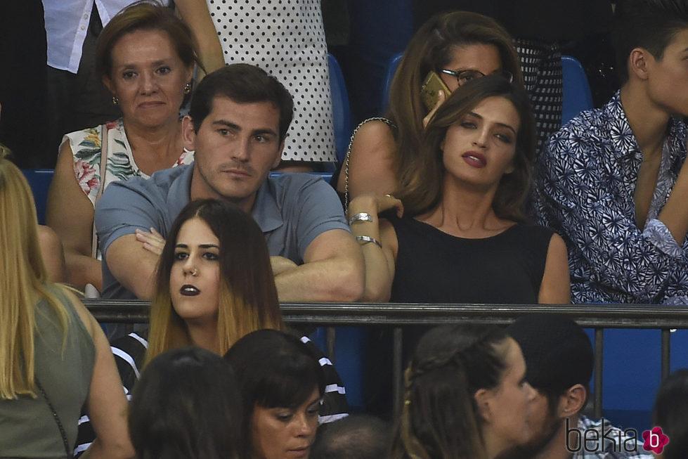 Sara Carbonero e Iker Casillas en el concierto 'Más es Más'