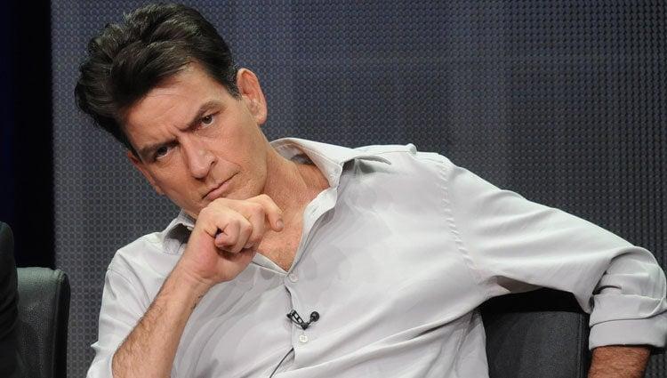 Charlie Sheen en la serie 'Terapia con Charlie'