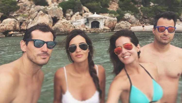 Iker Casillas, Sara Carbonero, Isabel Jiménez y Álex Cruz en Menorca