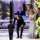 Leo Messi en el altar antes de casarse acompañado de su hijo