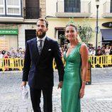 El jugador de baloncesto Sergio Rodríguez y su mujer Ana Bernal en la boda de Sergio Llul y Almudena Cánovas