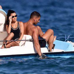 Kourtney Kardashian y Younes Bendjima en Saint-Tropez