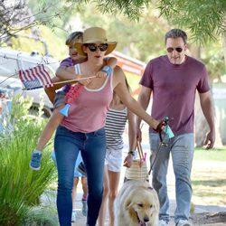 Jennifer Garner y Ben Affleck con sus hijos en el 4 de julio de 2017