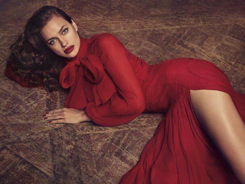 Irina Shayk como imagen de la campaña de Blumarine para 2018