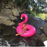 Justin Bieber posa con el flamenco rosa