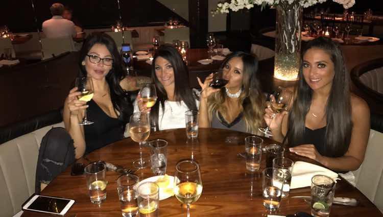 Snooki, Sammy Sweetheart, JWoww y Deena Nicole, de cena grabando el reencuentro de 'Jersey Shore'