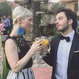 Blas Cantó y Soraya Arnelas brindan en una boda