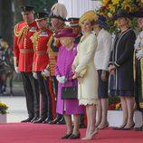 La Reina de Inglaterra y la Reina de España en la ceremonia de bienvenida a los Reyes de España por su Viaje de Estado a Reino Unido
